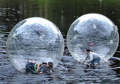 あなたの夢が叶う!水の上を歩けるアクアボール!