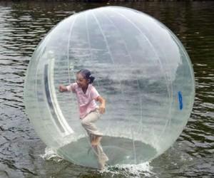 水上ボール