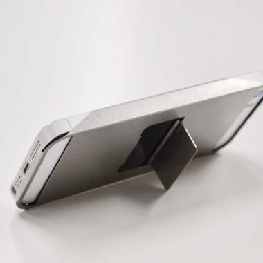 誇り高きiPhoneユーザーに拘りのホルダーを