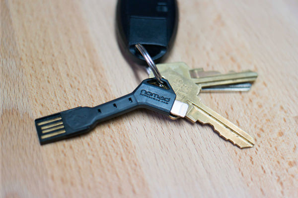 クールモバイラー必携!鍵型変換ケーブル