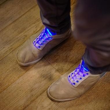 キラリと光る凄いヤツ。あなたを守る靴ひも