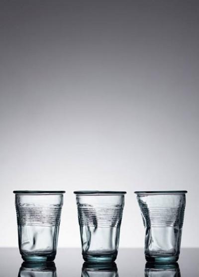 あらかじめ握り潰しておきました。環境を考えるグラス
