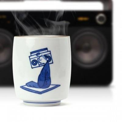 美味しいお茶をどうぞ!九谷焼のファンキー湯呑